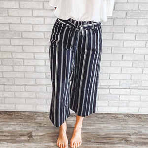 Striped linen ankle pant with elastic and tie waist