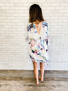 Kimono sleeve abstract print dress