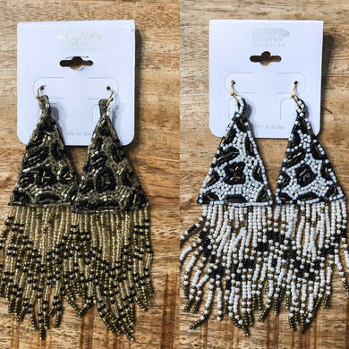 Seed bead earrings with triangular fringe *2 colors