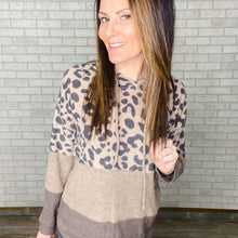 Load image into Gallery viewer, Leopard mixed print hoody