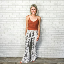 Load image into Gallery viewer, Snake print bell bottom pants
