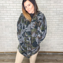 Load image into Gallery viewer, Camo sherpa open jacket