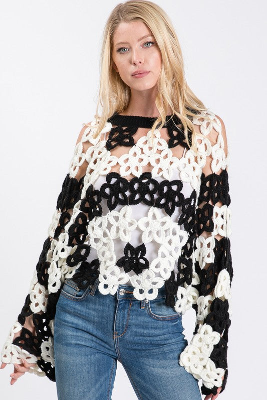 CROCHET KNIT BLACK AND WHITE CROPPED SWEATER