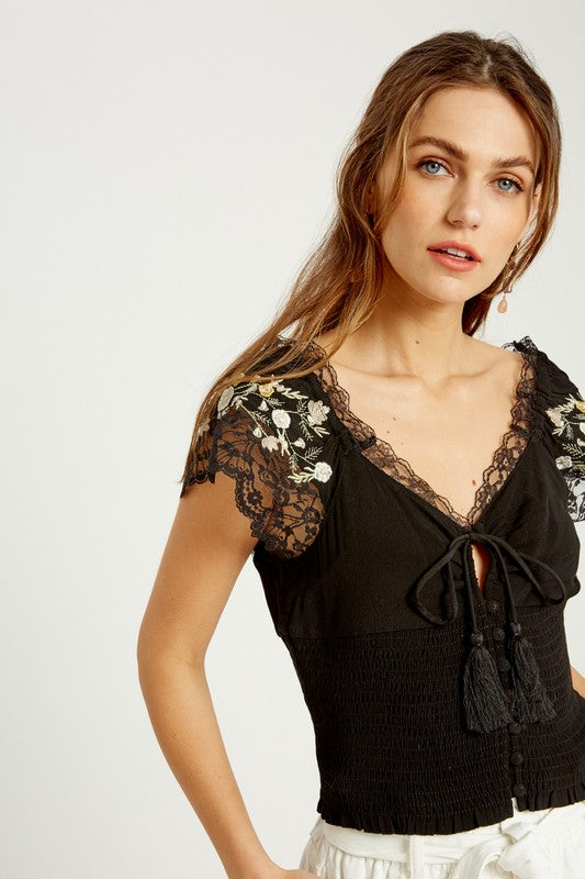 EMBROIDERED LACE SMOCKED TOP