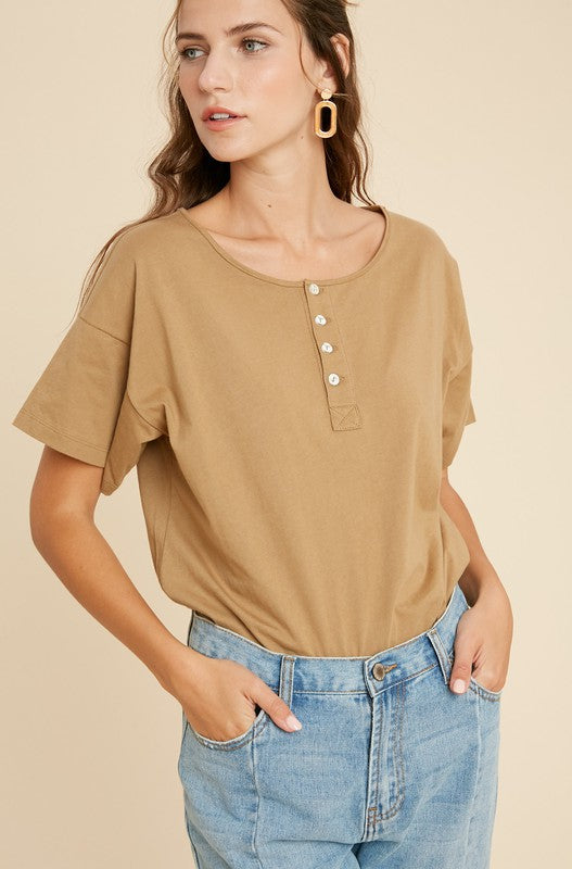 HENLEY SHORT SLEEVE BODYSUIT