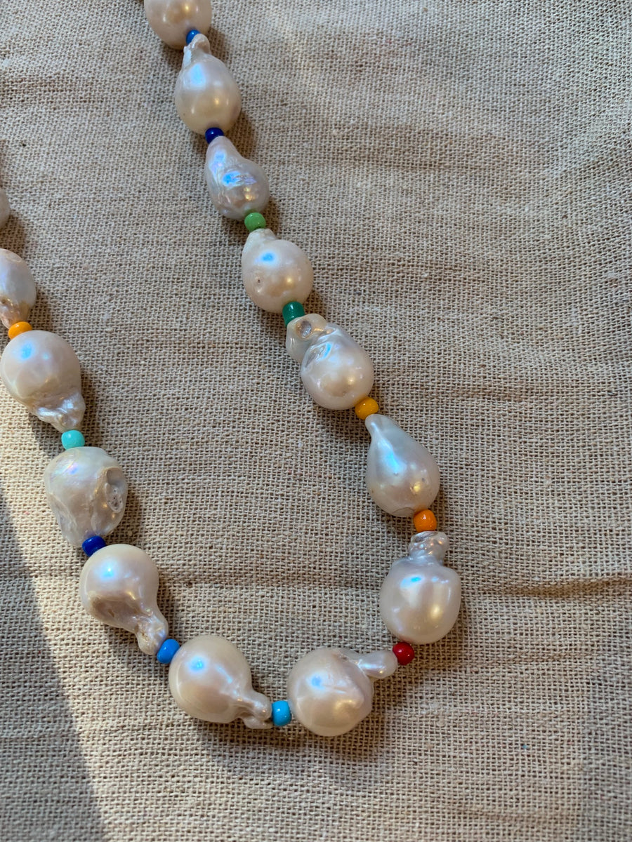 LARGE BAROQUE PEARL CHOKER