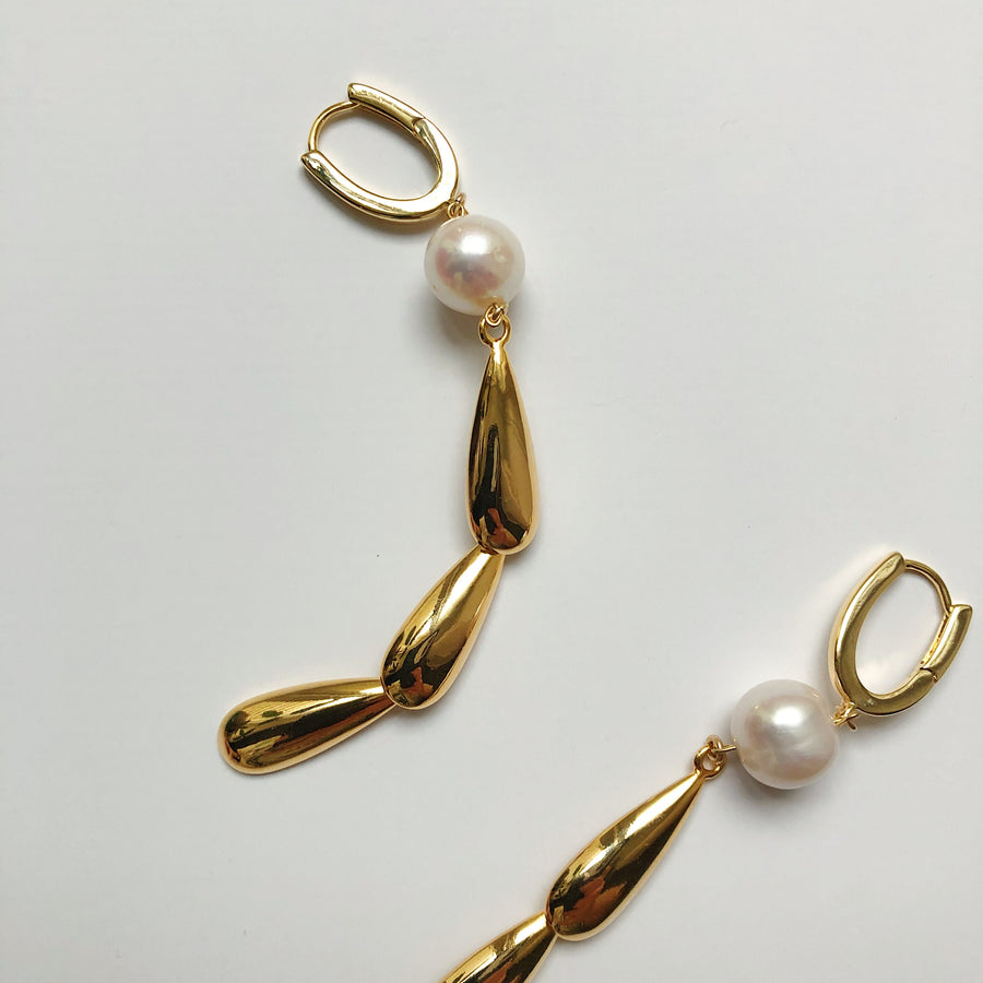 PAMELA PEARL TIER EARRINGS