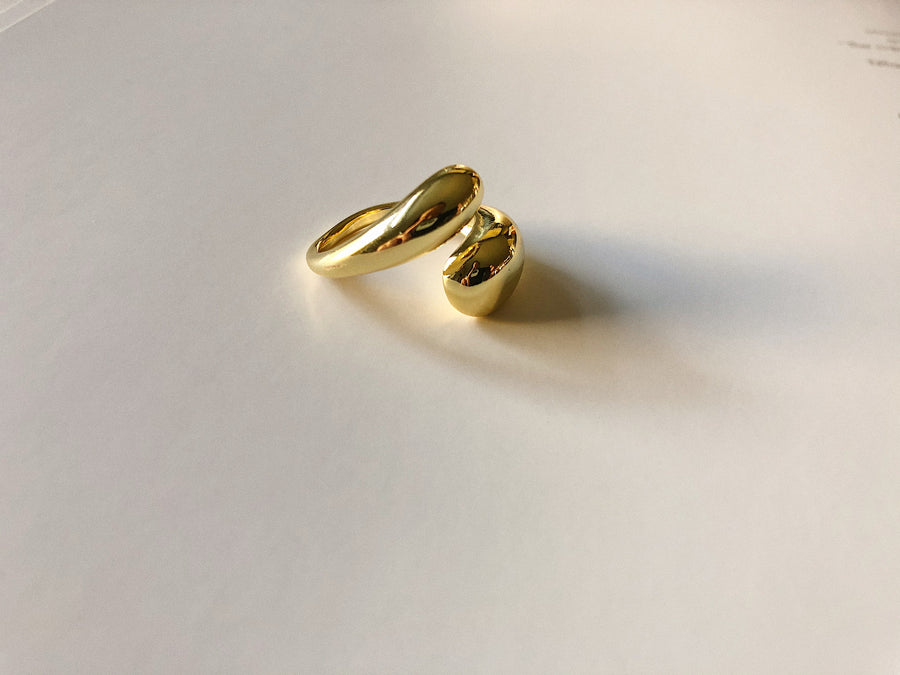 18K OPEN EMBRACE RING