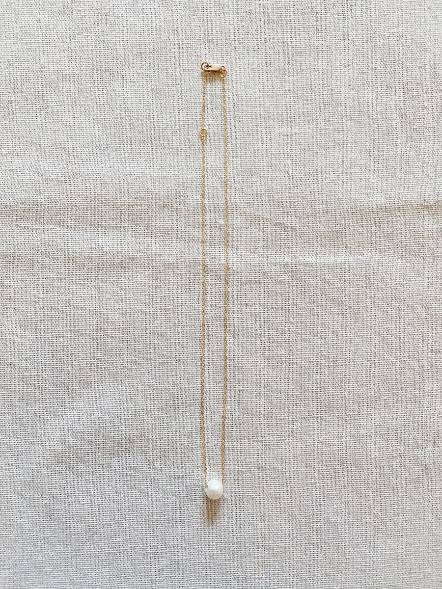 SLIDING SINGLE PEARL NECKLACE