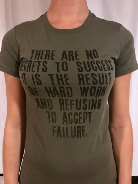NO SECRETS TO SUCCESS - Women's T-Shirt