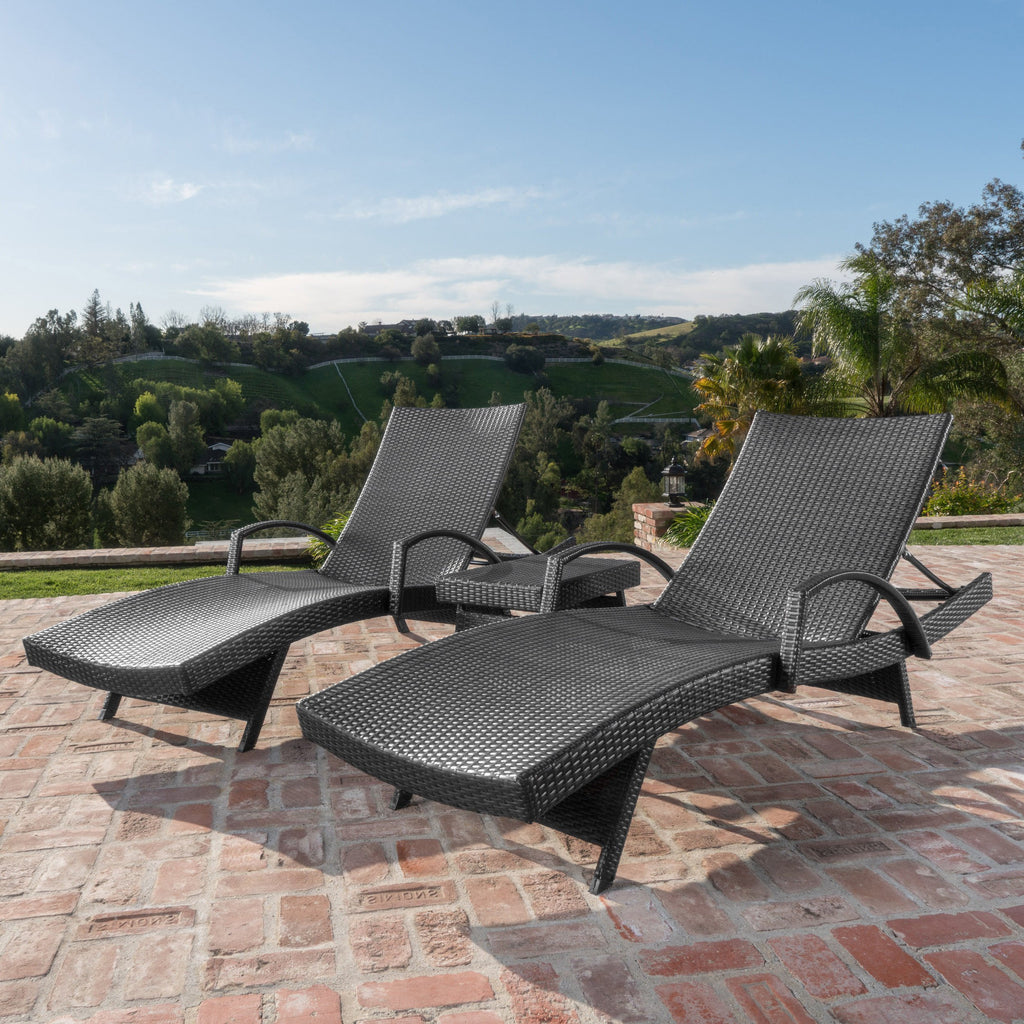 Soleil Outdoor Wicker Arm Chaise Lounges (Set of 2) w/ Side Table