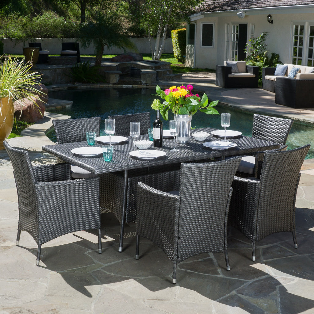 Macalla Outdoor 7-Piece Gray Wicker Dining Set With Light