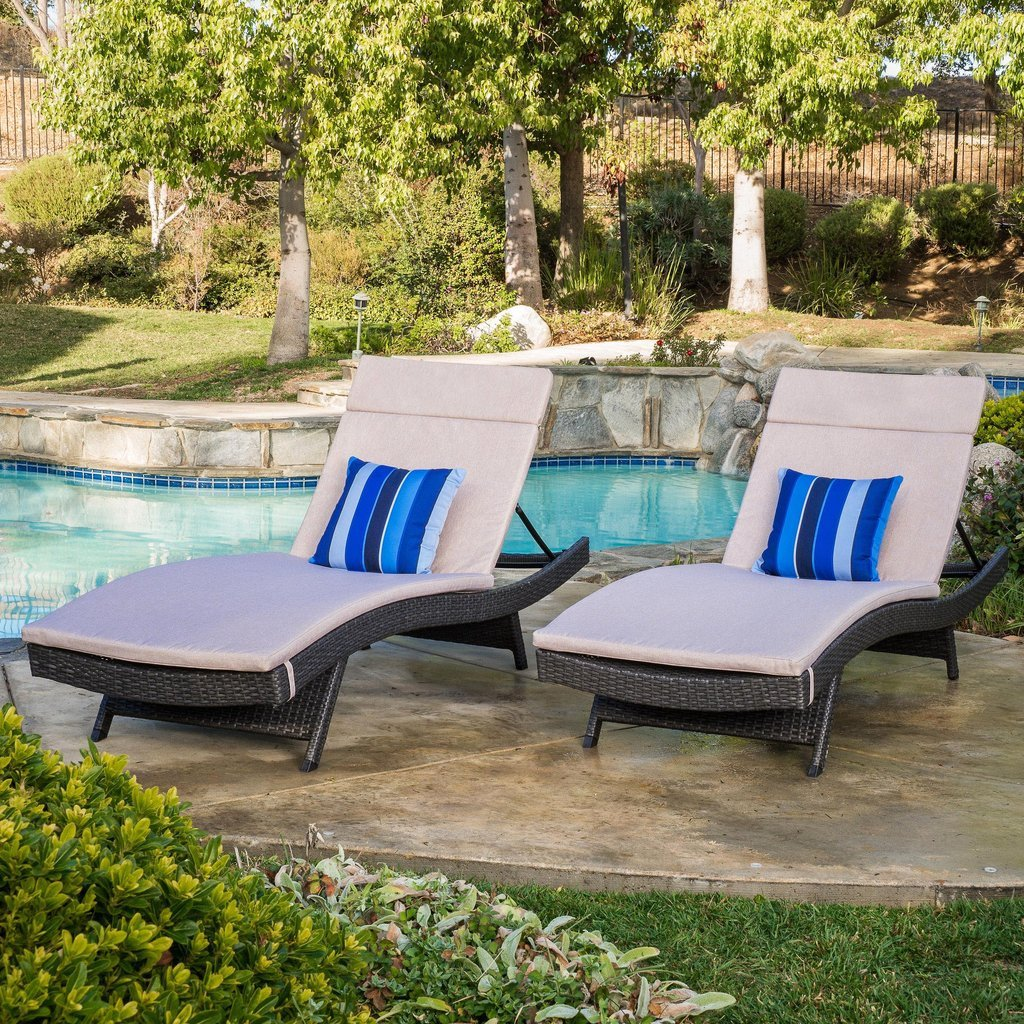 Lakeport Outdoor Grey Wicker Adjustable Chaise Lounge w/ Cushion