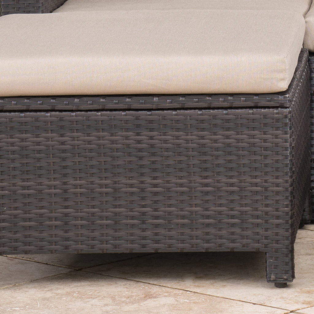 Pueblo Outdoor Wicker Daybed Set w/ Water Resistant Cushions