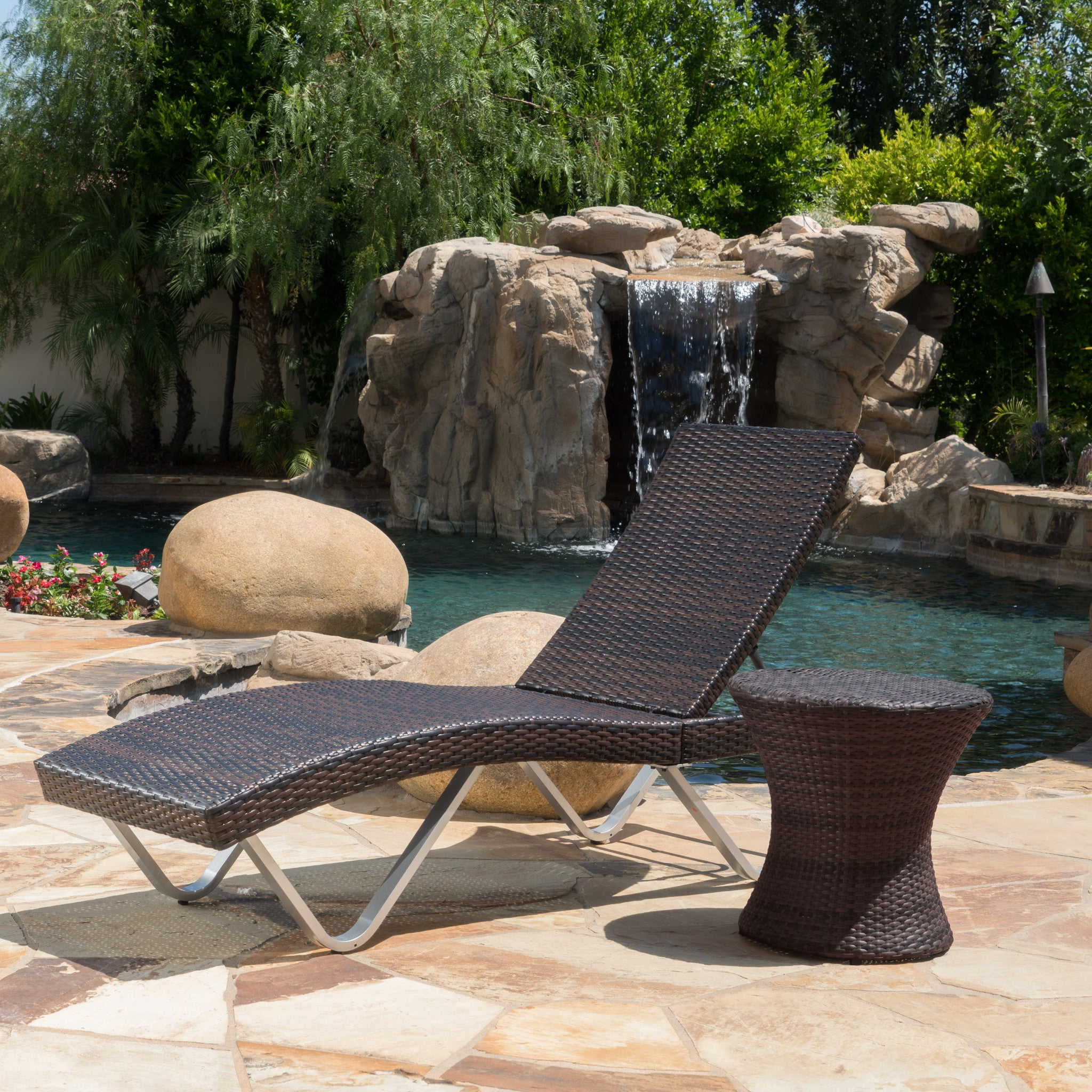 Outdoor | Chaise | Lounge | Brown | Table