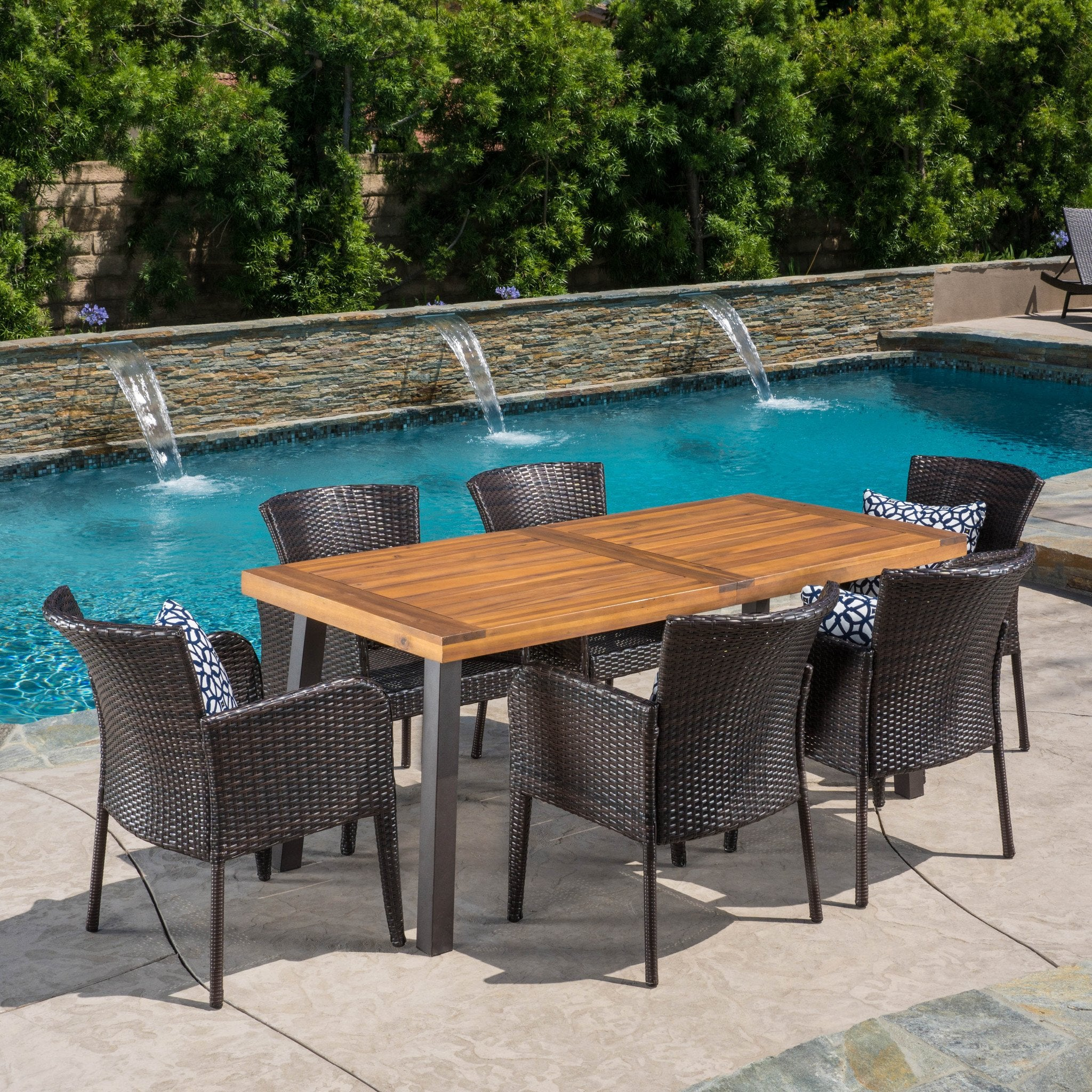 Helton Outdoor Dining Set Wood Table Wicker Chairs foto