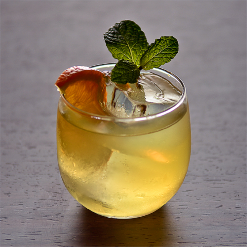 Sake Ginger Ale Cocktail