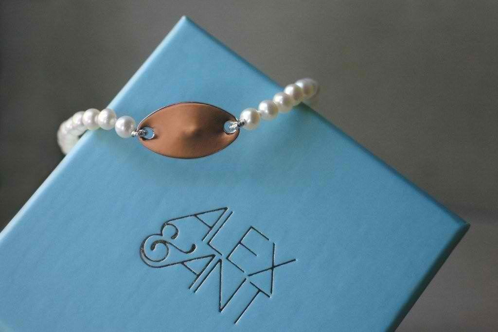 First Pearl bracelet Plaque