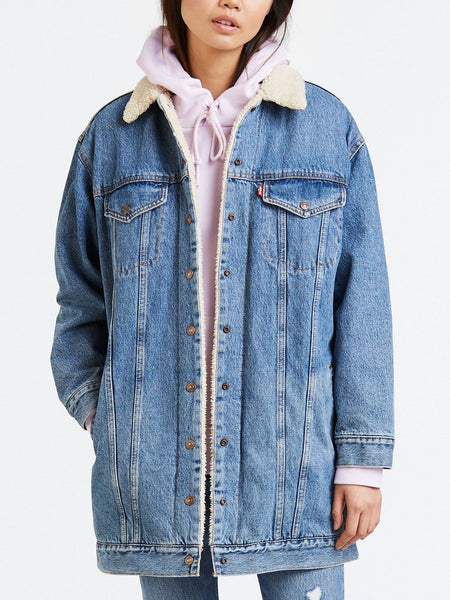 Levi's - Long Sherpa Trucker / Love Shack