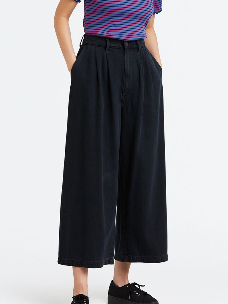 Levi's - Wide Leg Pleated / Omen