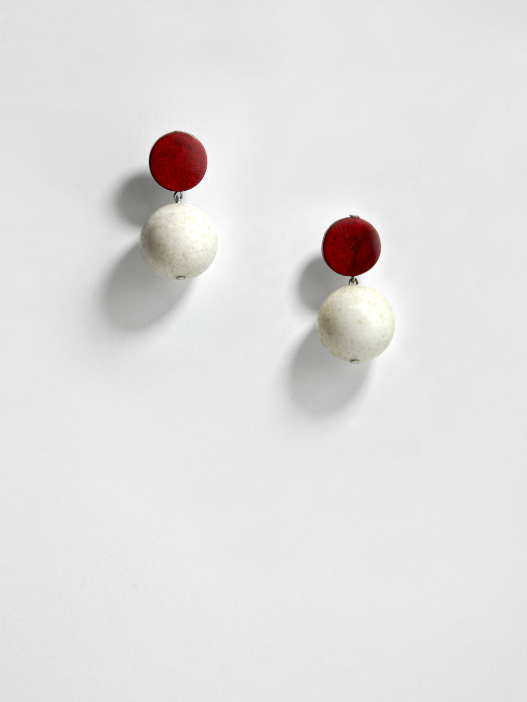 afterimage earrings no.04 / white marble sphere