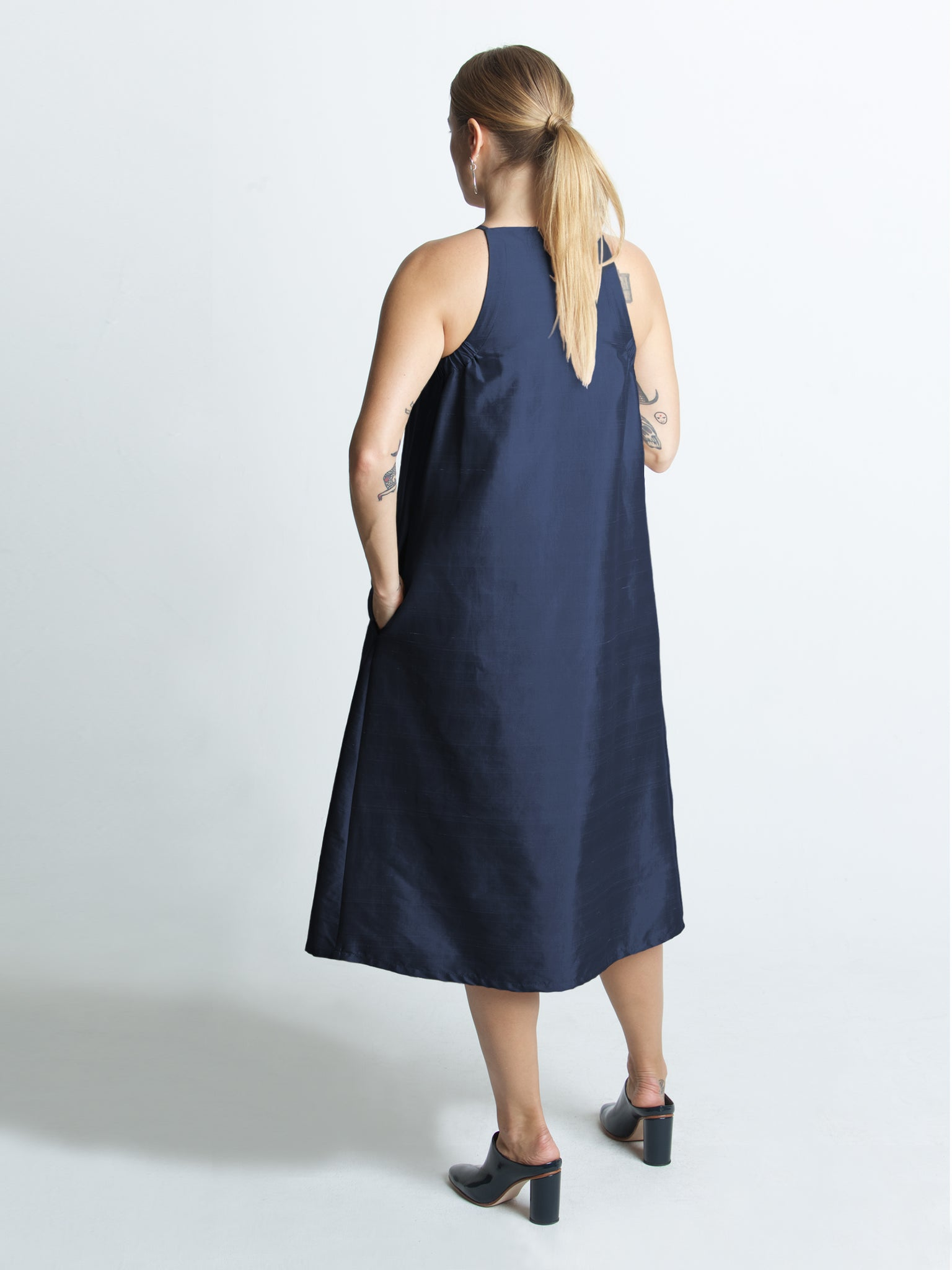 Beth - Yard Dress / Navy Dupioni
