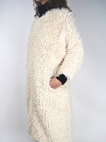 Blob Coat / Off White Faux Fur