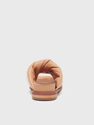 Kelsi Dagger - Offbeat Slides / Sandy Leather