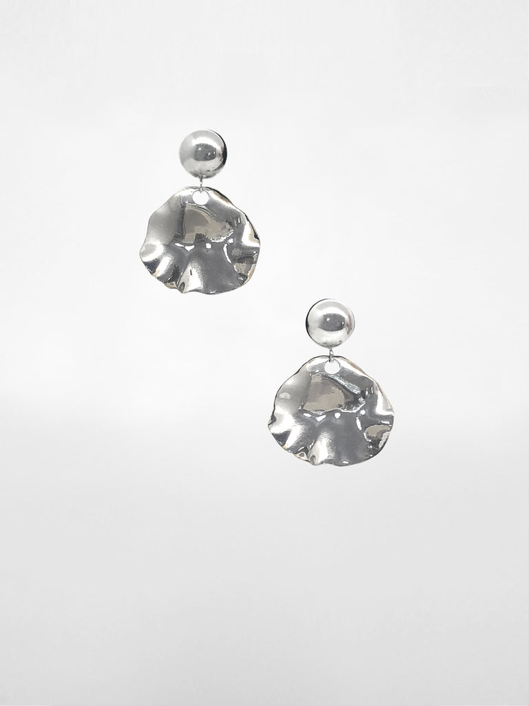 Tameko Post Earrings / Silver