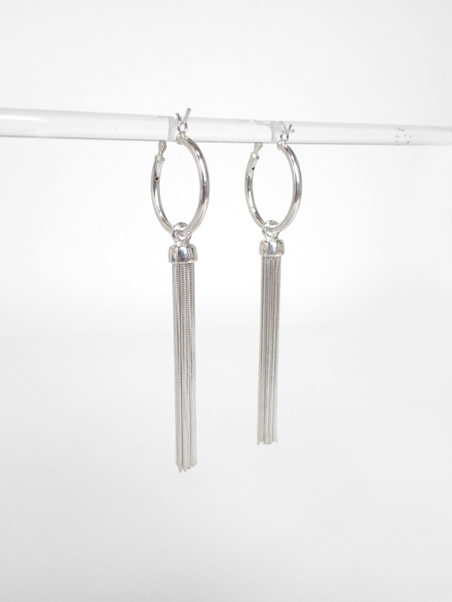 Tassau Hoop Earrings / Silver
