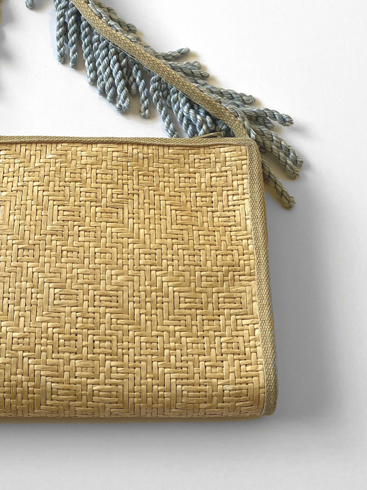 UP! - Vintage reworked straw crossbody