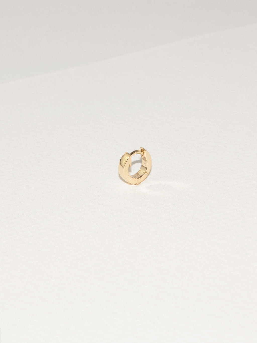 Chubs Hugger Hoop / 14k Yellow Gold