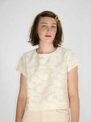 Beth - Crosby Tee / White Floral Jacquard