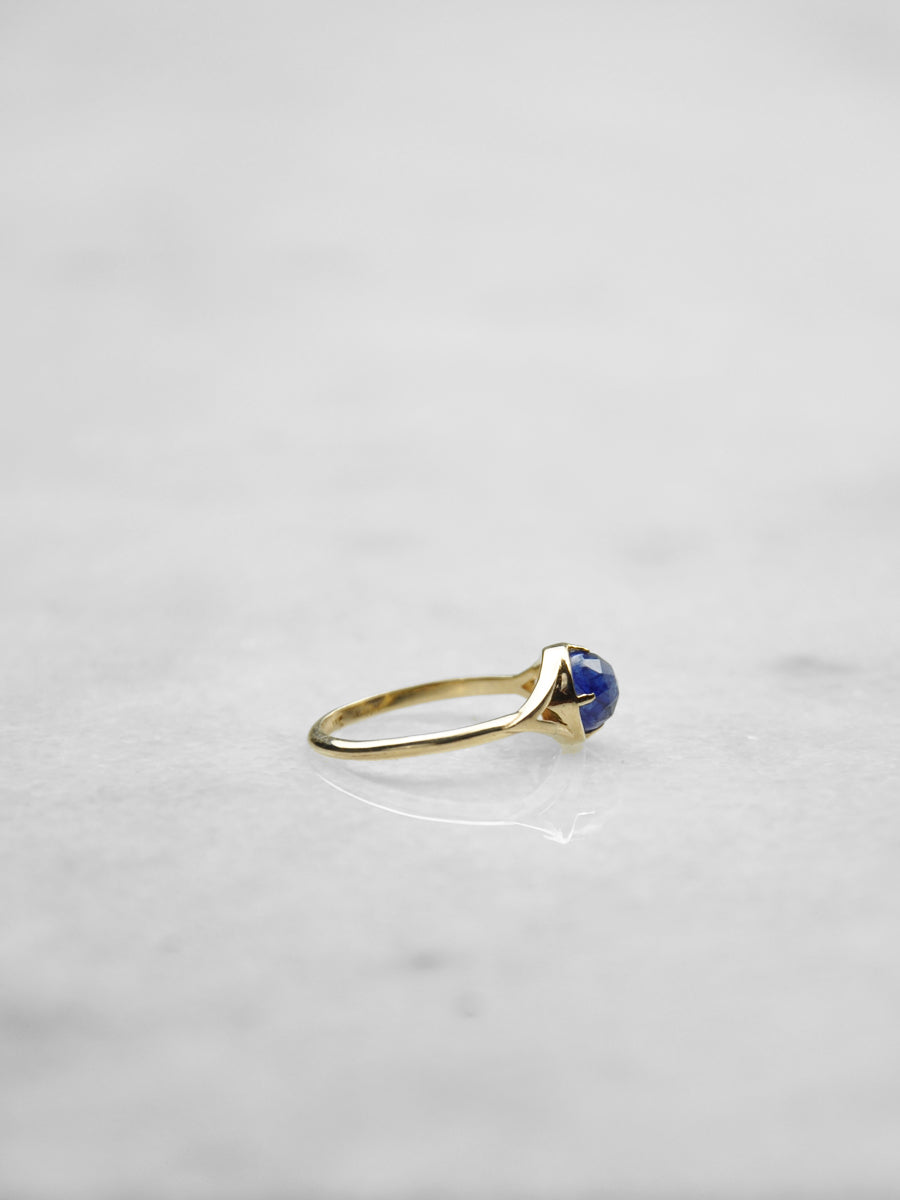 Dylan Ring / Gold with Blue Sapphire
