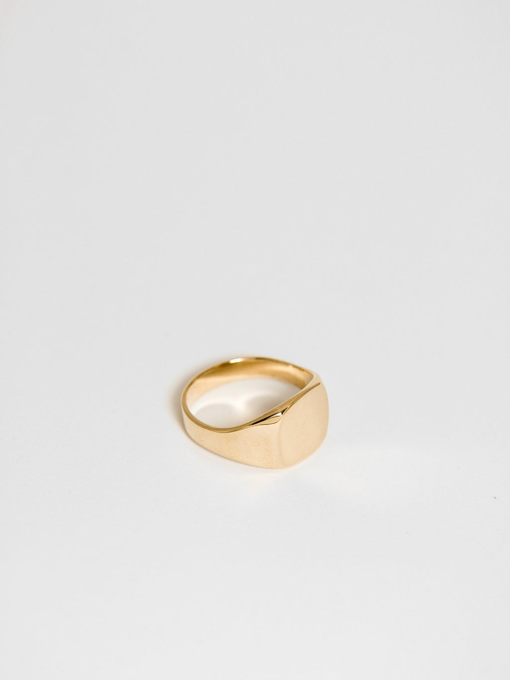 Initial Ring / 14Kt Yellow Gold