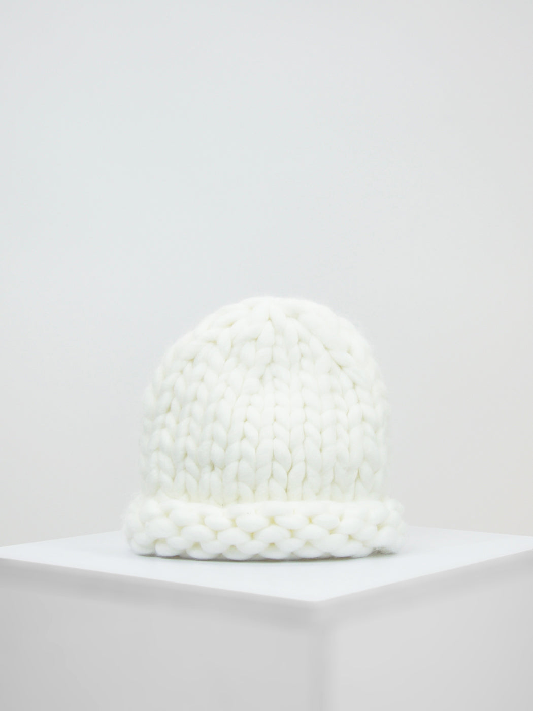 Loopy Knit Beanie / Ivory