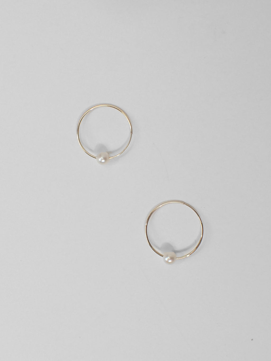 Pearl Sleeper Hoops / 20mm