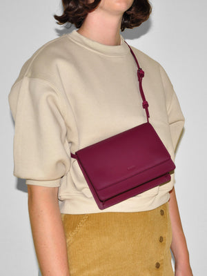 BAGGU - Small Structured Crossbody / Cranberry