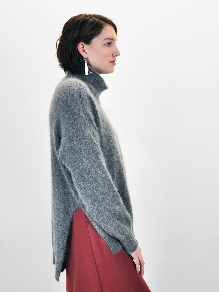 hugs - Superfuzz Turtleneck / Grey