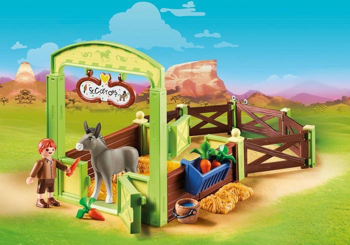Snips & Señor Carrots with Horse Stall