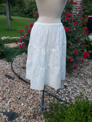 "Prairie Skirt - White With Little White Flowers - Large 26"" Length"