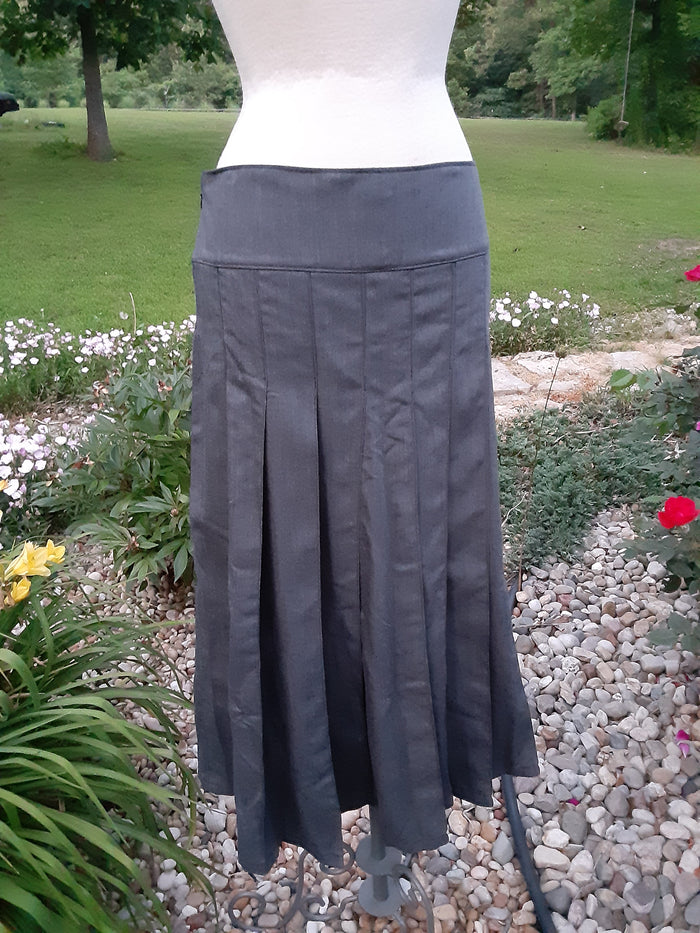 Long Pleated Skirt Grey Poly - Wool Twill Size 16