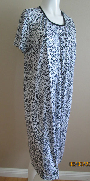 black and white printed nursing nightgown
