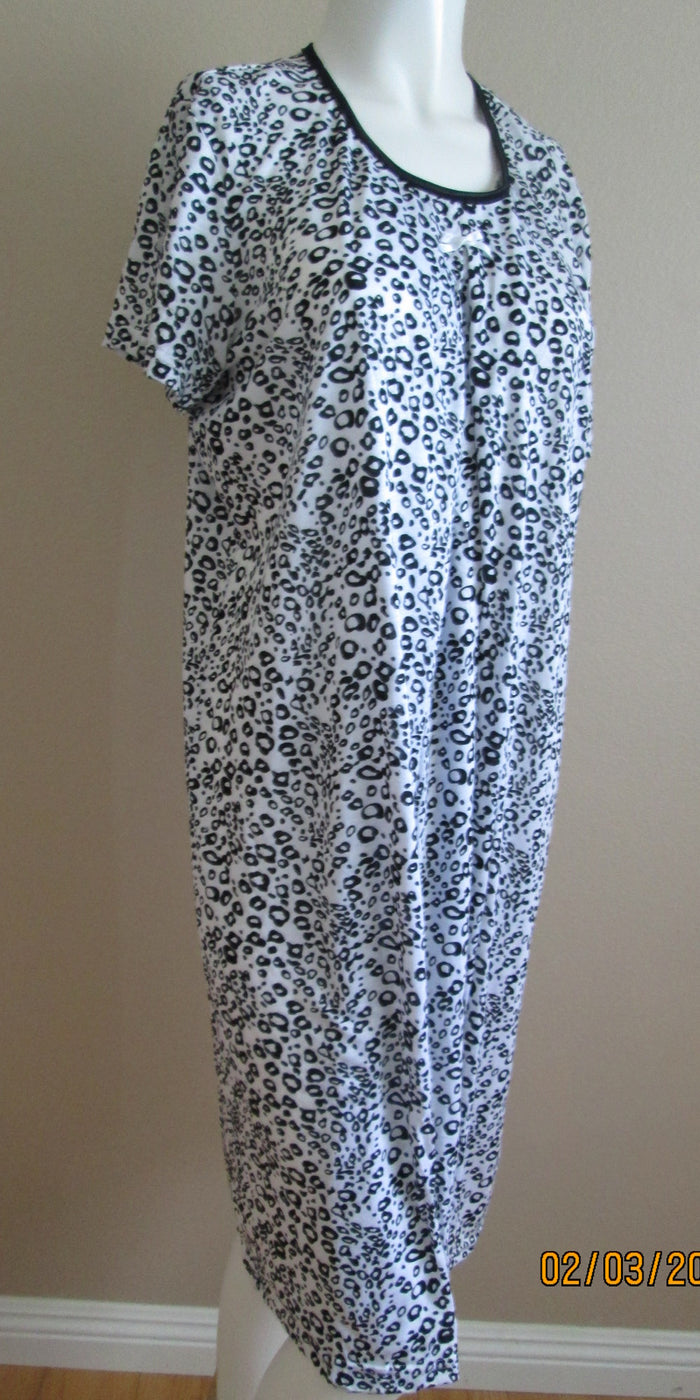 Nursing Nightgown in Black and White Print