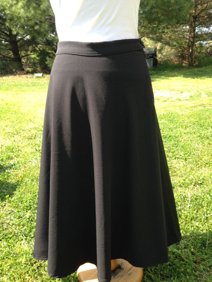Fitted full A-line black Skirt