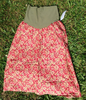 Maternity skirt in red and olive print
