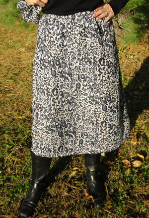 Black leopord print skirt
