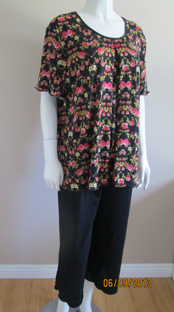Nursing Pajama Set In Black and pink floral XL,2X, 3xl