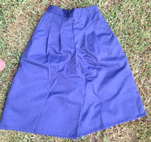 Front pleat culotte in Navy