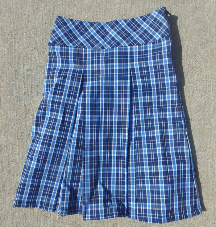 Girls plaid pleated skirt with drop waist -size Child  5
